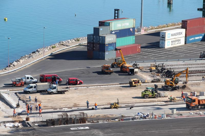 New investments for the Koper container terminal
