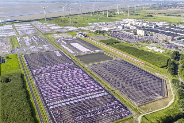 Volkswagen plants to use eco-electricity